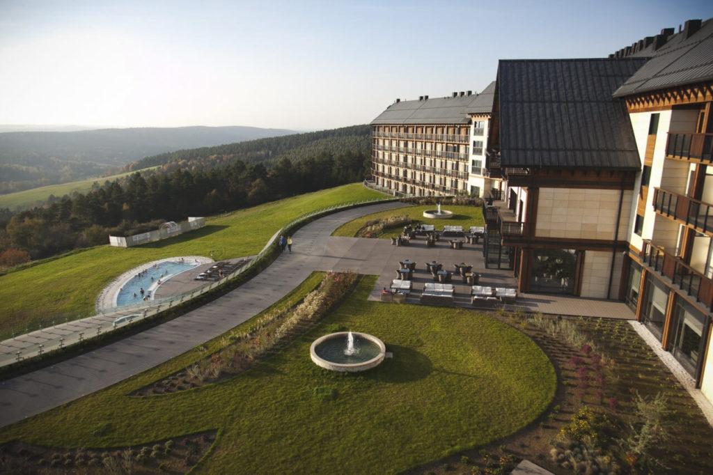 Skabe og møbler til Arlamow-hotellet.